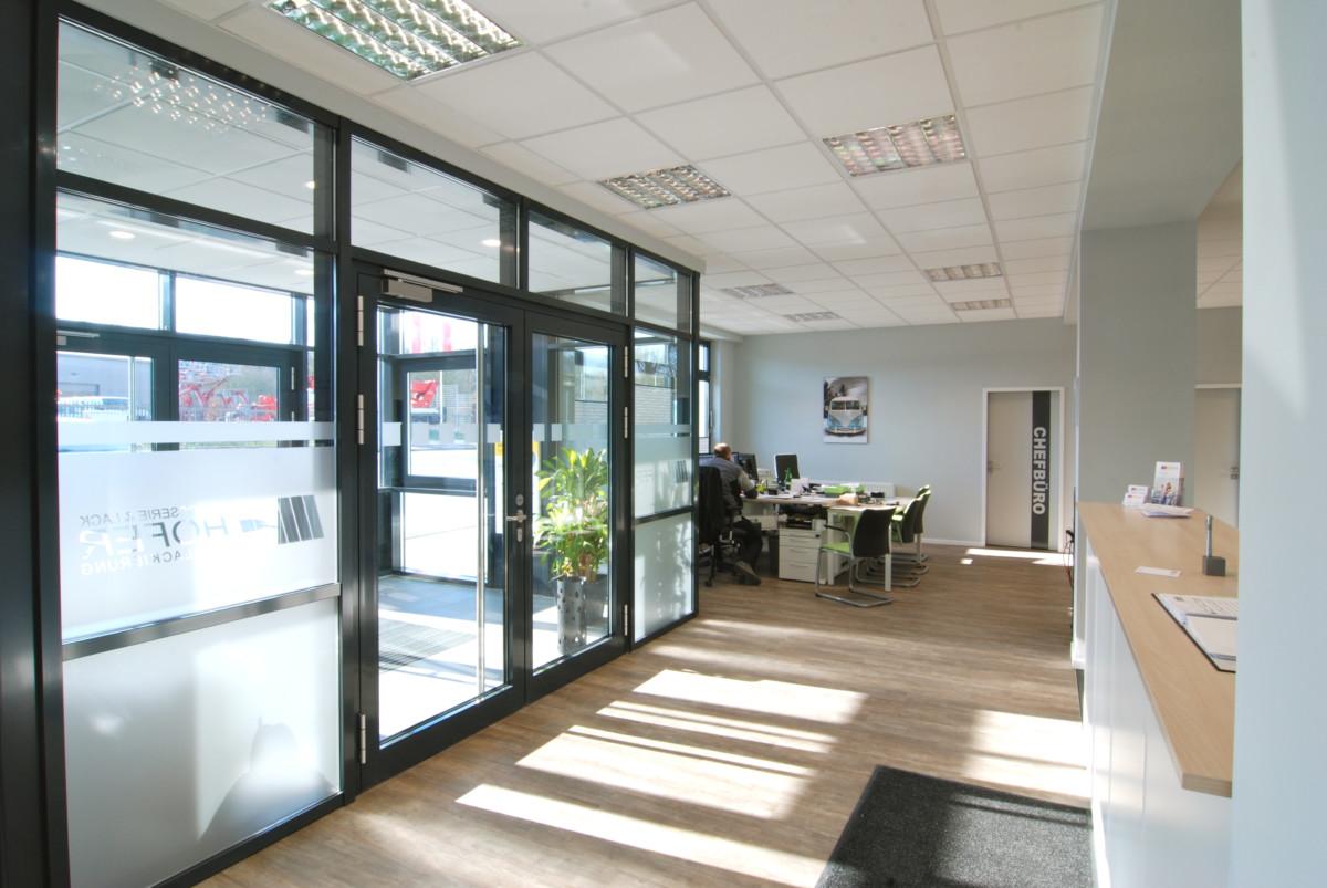 Eingangsbereich der Hofer Karosserie & Lack GmbH