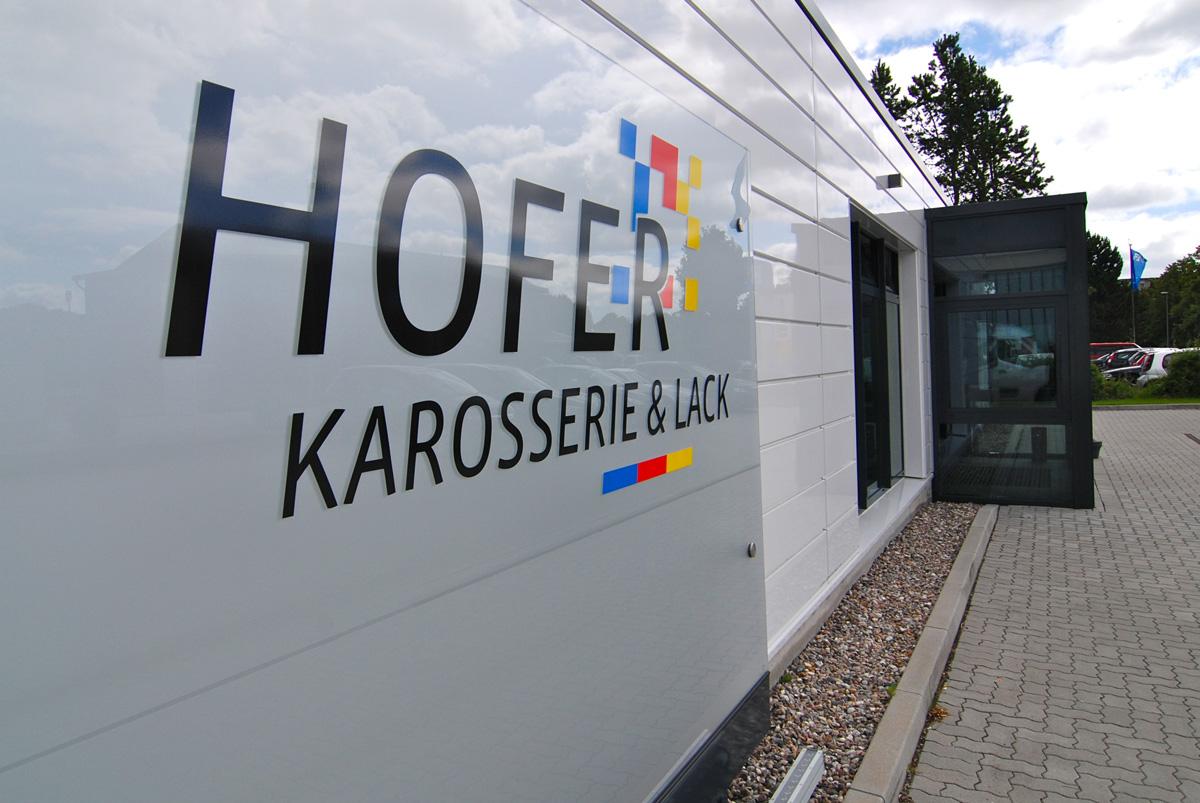 Eingangsbereich von Hofer Karosserie & Lack